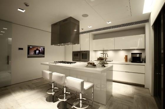 از لوازم آشپزخانه داخل کابینت برای دیزاین استفاده کنید